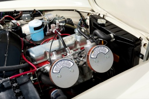 Volvo_1800S_motor1